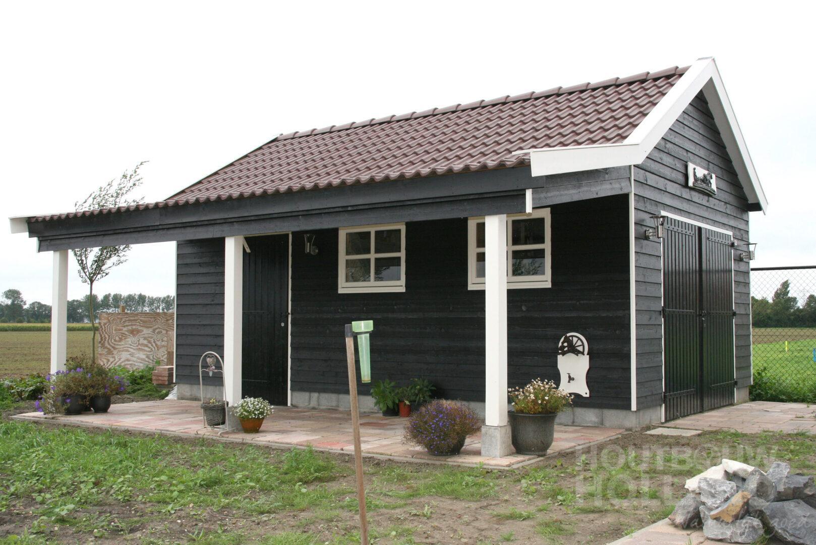 Tuinhuis met veranda 4